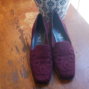 Velvet Pumps Unisa Red Heels 7.5AA